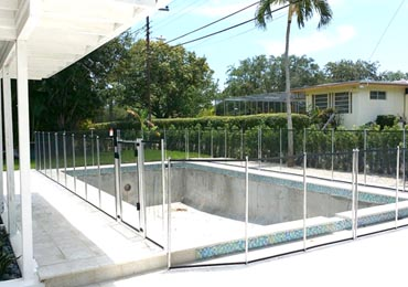 Black/Aluminum Pool Fence